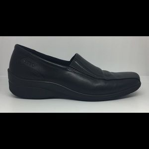 Ecco Light 40 Black Leather Wedge Loafers Sz 9-9.5